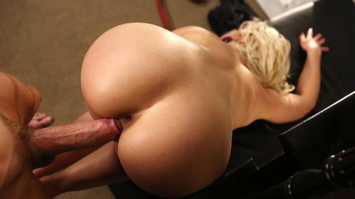 Порно фото блондинки раком